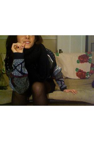 gray Thrift Store sweater - black Forever 21 skirt - black no brand tights - bla