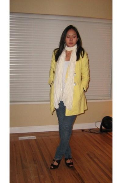 The black shop coat - Zara top - H&M belt - Levis jeans - payless shoes - H&M sc