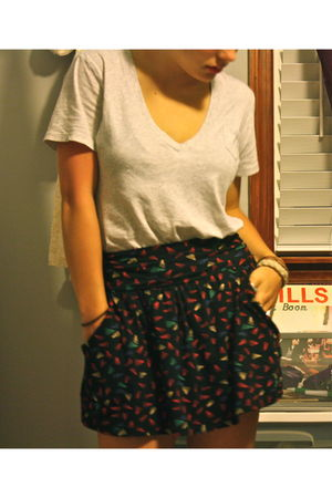 black Forever 21 skirt - gray Gap shirt