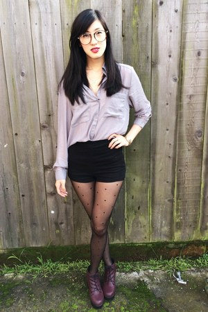 button down H&M top - high waisted Forever 21 shorts
