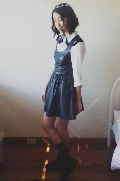H&M boots - h&m divided dress - Dangerfield socks - chicabooti blouse