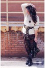 Black-dolce-vita-boots-off-white-sweater-black-balenciaga-bag