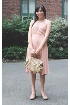 nude Jessica Simpson wedges - light pink Forever21 dress