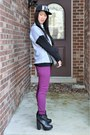 Black-ankle-miista-boots-magenta-skinny-old-navy-jeans