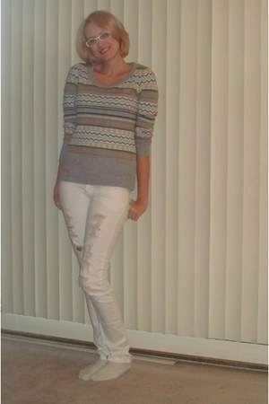 heather gray United States Sweater Company sweater - white BCBG jeans - white Ba