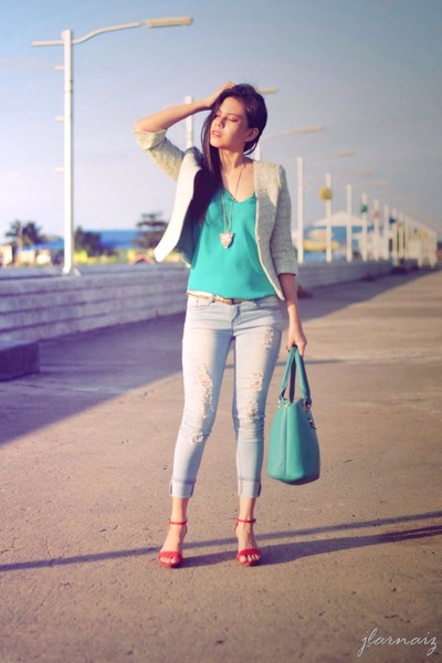 green Express top - red wedge Ferretti shoes - sky blue distressed crissa jeans