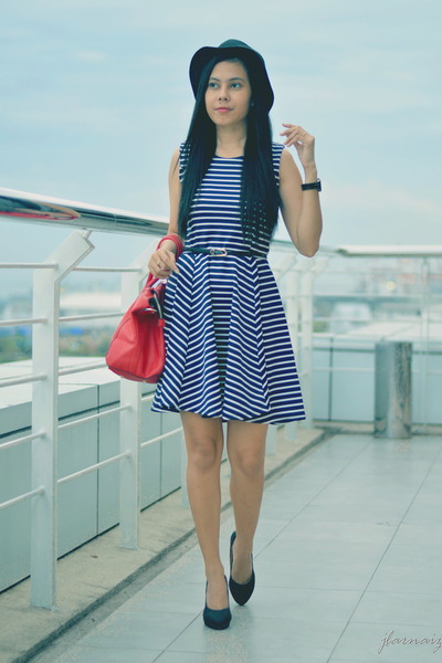 black straw hat Penshoppe hat - navy skater stripes vintage dress