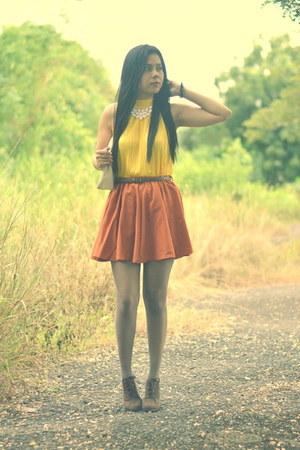 burnt orange skater skirt thrifted skirt - dark brown boots chelsea boots