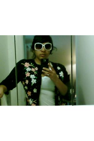 black Jack B Quick cardigan - white Forever 21 t-shirt - Forever 21 sunglasses