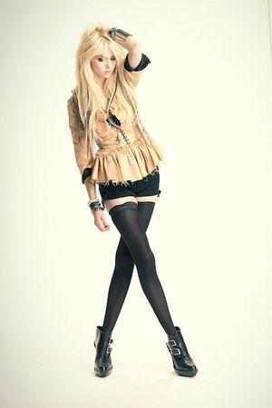 accessories - blazer - boots
