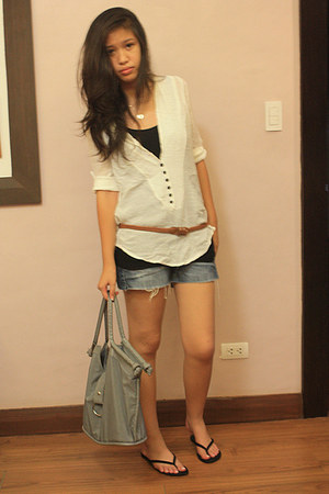 heather gray Bijoux Terner bag - navy Bayo shorts - black slippers sandals - bro