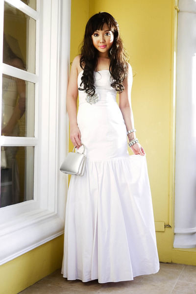 white Glitterati dress - silver Bally bag - silver DAS heels