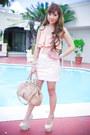 Neutral-posh-wardrobe-top-peach-forever-21-skirt