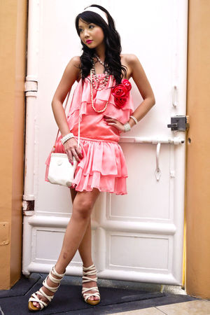 pink Glitterati dress - white strappy heels Sinta shoes - white Gucci bag