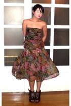 Chanel belt - brown Anthem shoes - red Le Jardin dress