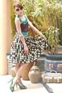 Light-brown-two-toned-gucci-bag-teal-nine-west-heels-dark-brown-vintage-skir