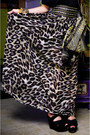 Black-oversized-tee-zara-shirt-brown-sheer-leopard-random-scarf-black-topsho
