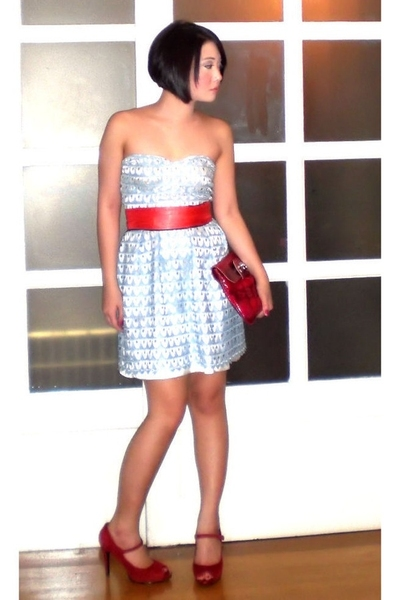 blue Glitterati dress - red Nine West shoes - red Details bag