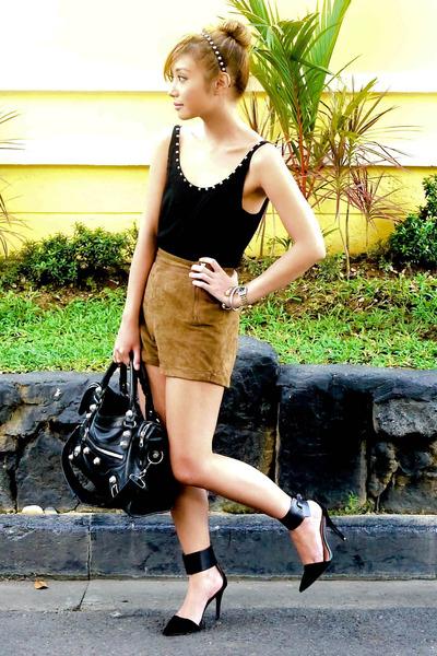 black balenciaga bag - brown Topshop shorts - black Zara heels - black Zara top