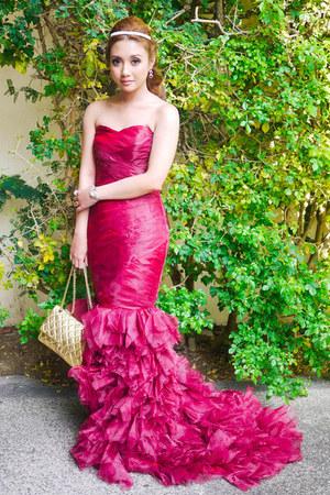 maroon vera wang dress