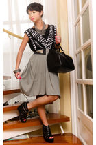 gray Mango skirt - black strappy wedges Virtual Mae shoes