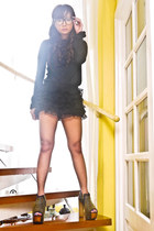 black zipper DAS heels - black Zara sweater - black ruffled lace HK shorts