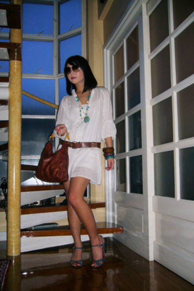 Zara dress - Moms Collection belt - Cerrutti purse - Nine West shoes