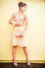 Peach-beaded-tulle-mango-dress-gold-clutch-vintage-bag
