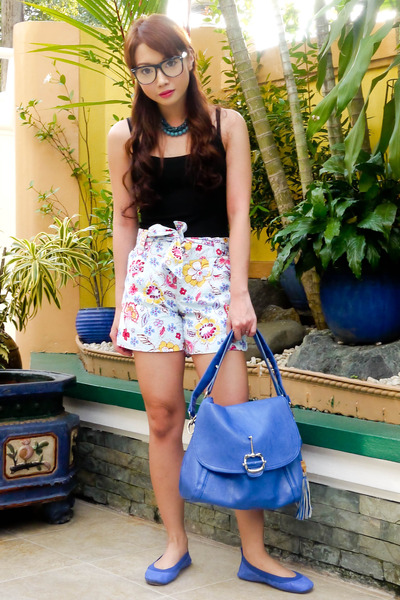 blue CMG bag - sky blue floral printed Glitterati shorts