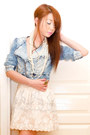 Light-blue-zara-jacket-white-chain-tote-random-from-my-sister-bag-light-pink