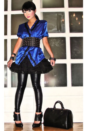 Glitterati belt - black Aldo shoes - leggings - blue Love Vintage blouse