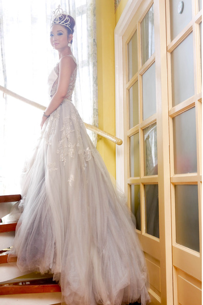 silver Kristel Yulo dress