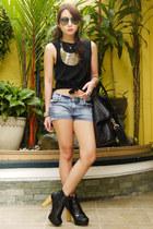 gold bib Mango necklace - black lita inspired SuperSala Bazaar boots