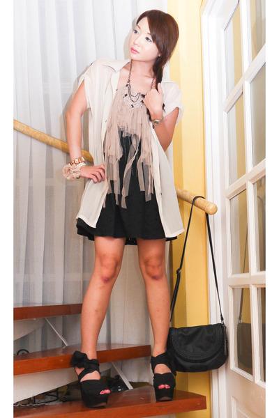 black Topshop dress - black basic leather Zara bag - beige Ruckus necklace - bla