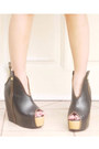 Black-nightingale-givenchy-bag-tan-h-m-skirt