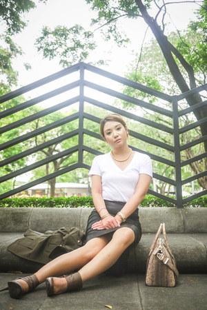 white Sexy White Tee t-shirt - black Zara skirt