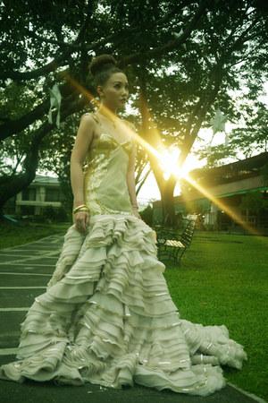 neutral Kristel Yulo dress