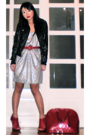 red vintage belt - red suede strappy michael antonio shoes - silver Zara dress