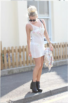 white crochet H&M dress - black chelsea boots asos boots