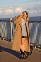 black chelsea Newlook boots - tan Missguided coat - blue new look shirt