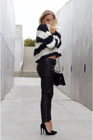 black Chanel bag - black leather Mango pants