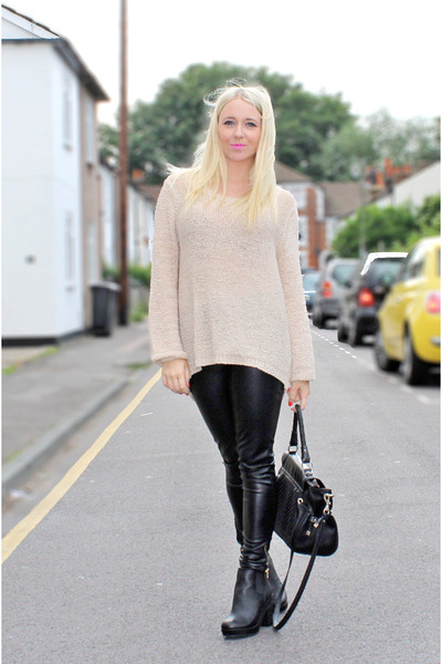 black chelsea boots asos boots - cream H&M jumper