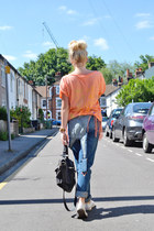 carrot orange GWYNEEDS top - navy dungarees Topshop jeans