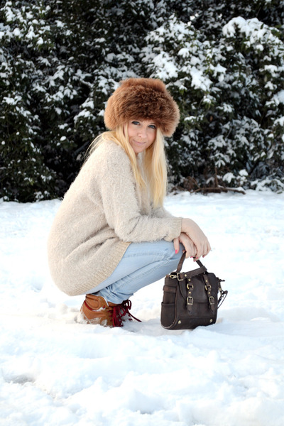 brown fur vintage hat - sky blue jeggings Primark leggings