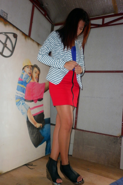 purple used as a top Topshop dress - striped Forever21 blazer - red Undernourish