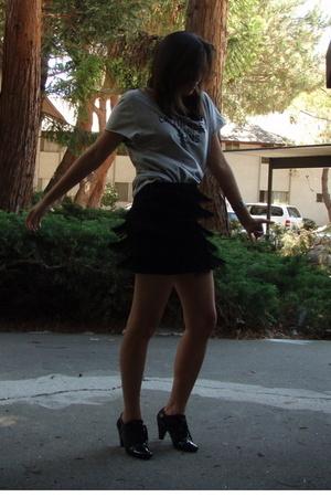 Express skirt - calvin klein t-shirt - H&M shoes