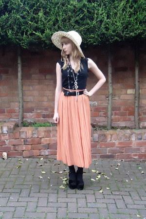 pleated vintage skirt - crochet boots hat - velvet Office heels