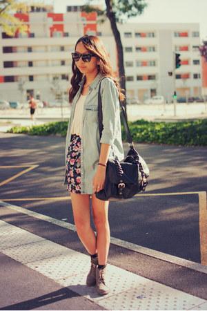 light blue denim H&M shirt