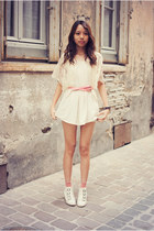 violet Chicwish shorts - pink romwe belt - cream cotton lace romwe top