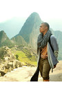 Black-boots-heather-gray-h-m-scarf-army-green-distressed-shorts